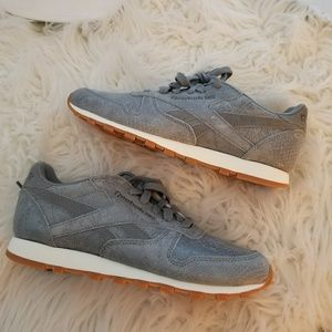 Reebok Classic Grey Suede Tennis Shoes, Sneakers